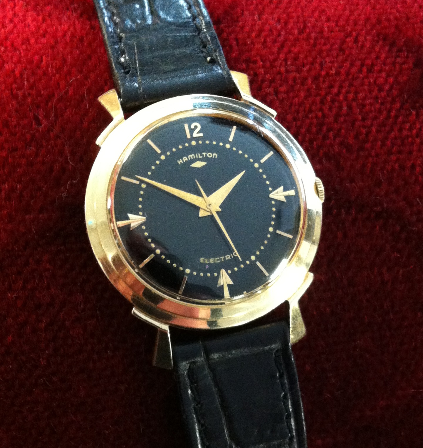 Reviewing The Perfect and Luxury Hamilton Van Horn Replica Watch