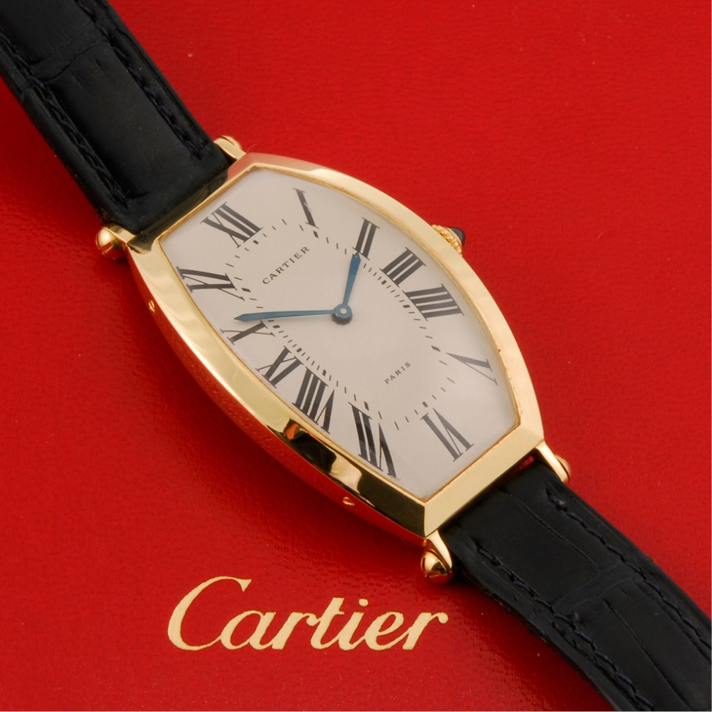 You Will Love The Elegant Cartier Tonneau Cintree Alongee 18K Yellow Gold Manual Winding Replica Watch