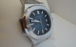 Bring a Completely Replica Patek Philippe Nautilus Automatic Watch with Blue Dial 5711/1A-010